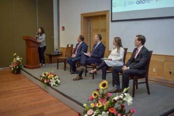 Créditos: CONECC / GIZ Dra. Natalia Nila Olmedo, Directora de LiCore, y Mtra. Elisa Ávila durante el Presidium de apertura del Evento de presentación del Hub de innovación en Querétaro.